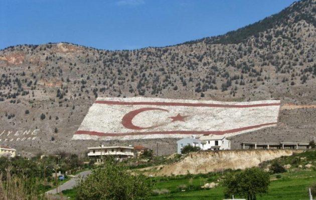 Προσπαθούν στα Κατεχόμενα να μην τους παρασύρει στον πάτο η πτώση της τουρκικής λίρας