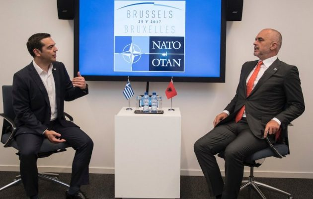 """""""Χέρι"""" Τσίπρα σε Ράμα στο ΝΑΤΟ: Άσε τις εθνικιστικές ρητορικές…"""