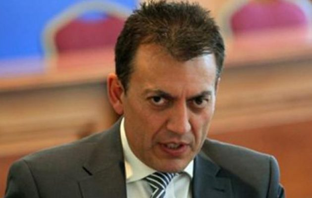 Προστάτης των εργοδοτών ο Βρούτσης: Έμμεσο «όχι» στην πρόταση Τσίπρα για αύξηση του κατώτατου μισθού