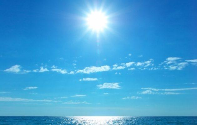 Δεν θυμίζει φθινόπωρο ο καιρός – Ήλιος και 28 βαθμούς η θερμοκρασία