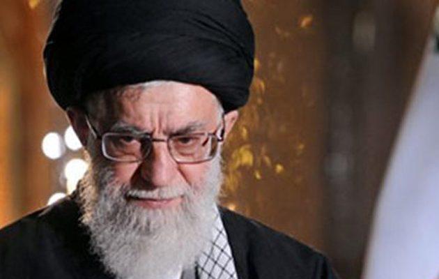 Αλί Χαμενεΐ: Το Ισλαμικό Κράτος είναι δημιούργημα των Αμερικανών