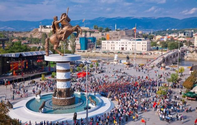 Σκοπιανός Αξιωματούχος: «Πληρώνω εγώ να φύγει το άγαλμα του Μεγ. Αλεξάνδρου από τα Σκόπια»