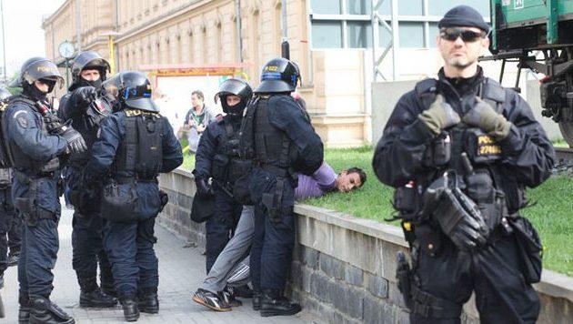 Άδεια να σκοτώνουν τρομοκράτες θα έχουν οι πολίτες της Τσεχίας που κατέχουν νόμιμα όπλα