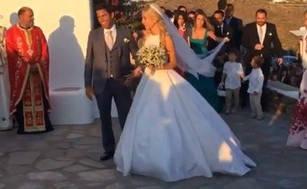 Ο χλιδάτος γάμος της Δούκισσας Νομικού στη Μύκονο (βίντεο)
