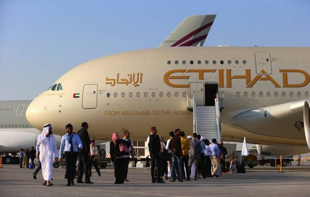 H Etihad Airways των ΗΑΕ διακόπτει από Τρίτη τις πτήσεις προς και από το Κατάρ
