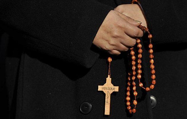 Εκατοντάδες βιασμοί αγοριών από Ρωμαιοκαθολικούς ιερείς στην Κολωνία