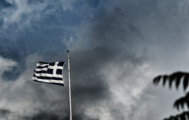 FAZ: Μετά από 8 χρόνια η Ελλάδα μπορεί να σταθεί στα πόδια της