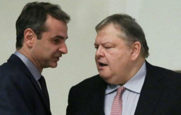Ο Βενιζέλος «αδειάζει» Φώφη και ζητά ευθέως μέτωπο κατά Τσίπρα με τη ΝΔ