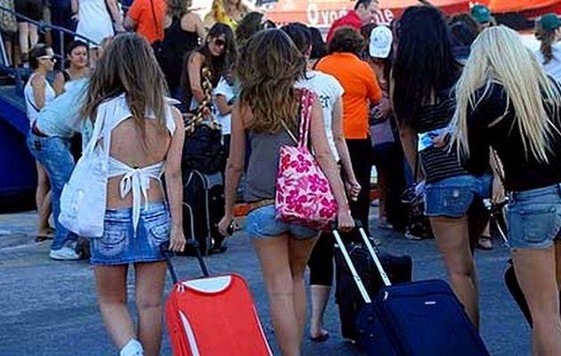 Μέχρι τώρα 2,3 εκατ. τουρίστες έχουν επισκεφθεί την Ελλάδα