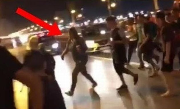 Όχλος δεκάδων νεαρών Μαροκινών πήρε στο κυνήγι γυναίκα επειδή φορούσε τζιν στον δρόμο (βίντεο)