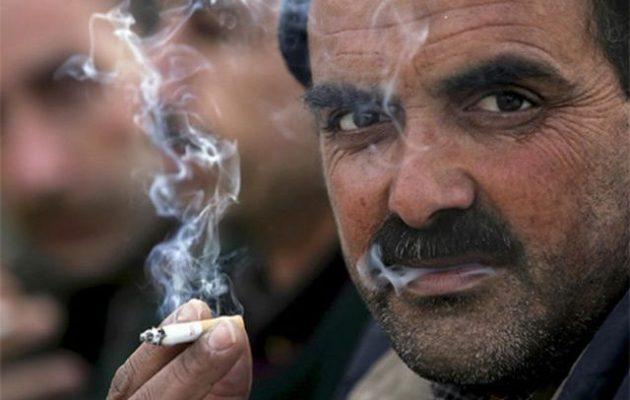Η Αλ Κάιντα απαγόρευσε το κάπνισμα στην Ιντλίμπ της Συρίας και οι κάτοικοι απειλούν με εξέγερση
