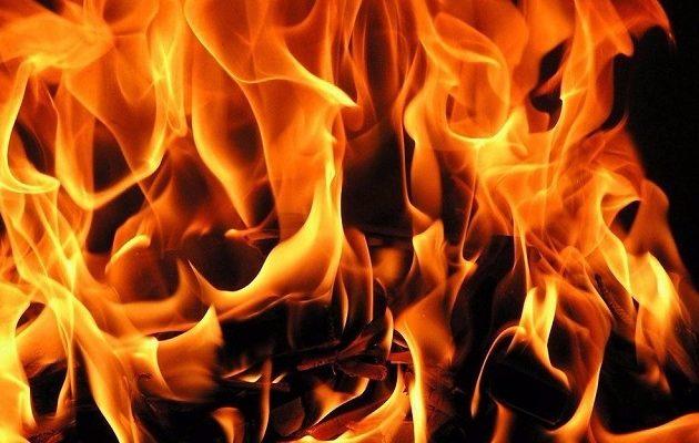 Φρίκη: Έκαψαν ζωντανή 14χρονη γιατί δεν κατάφεραν να τη βιάσουν