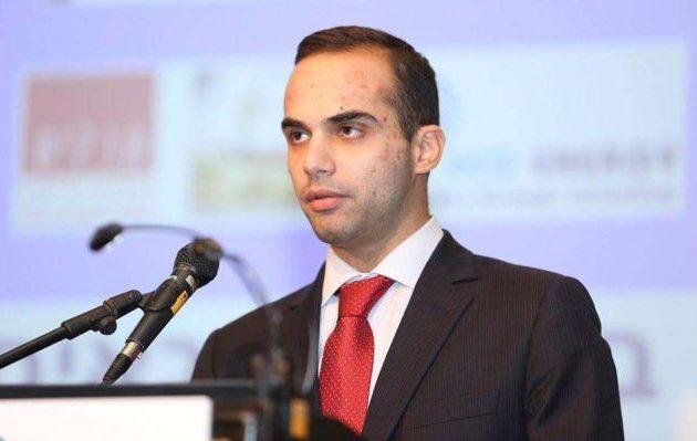 Ποινή φυλάκισης έως και έξι μηνών πρότεινε ο Ρόμπερτ Μιούλερ για τον Τζορτζ Παπαδόπουλος