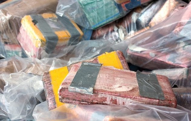 Πάνω από χίλια κιλά κοκαΐνης βρέθηκαν μέσα σε τσιμεντόλιθους στον Καναδά
