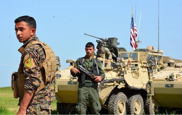Μαρκ Έσπερ: Θα αντιδράσουμε «συντριπτικά» σε όποιον πάει να πάρει τις πετρελαιοπηγές από τους Κούρδους