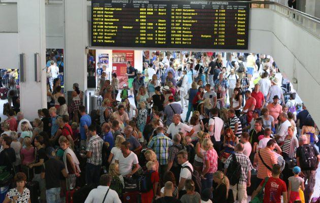 Πάνω από 40 εκατ. επιβάτες διακινήθηκαν από τα ελληνικά αεροδρόμια το 8μηνο του 2017