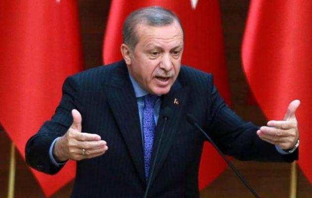 Ο Ερντογάν απείλησε ότι θα επιτεθεί στα αμερικανικά στρατεύματα στη Συρία – «Είστε όλοι τρομοκράτες»