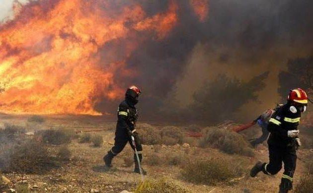 Σε ποιες περιοχές της Ελλάδας υπάρχει υψηλός κίνδυνος πυρκαγιάς τη Δευτέρα
