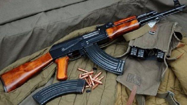 Εντοπίστηκε οπλοστάσιο σε σπίτι νεαρού στη Θεσσαλονίκη