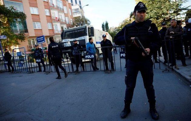 Στη φυλακή 14 Τούρκοι δικηγόροι που υπερασπίστηκαν απεργούς πείνας