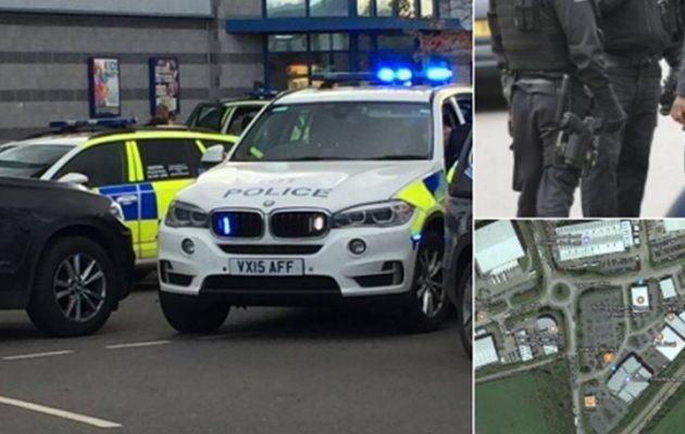 Ένοπλος κρατά ομήρους σε αίθουσα μπόουλινγκ στο Νανίτον της κεντρικής Αγγλίας