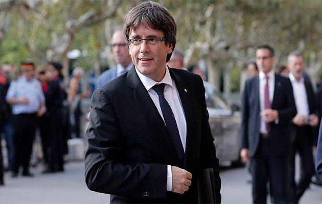 Οι Ισπανοί στήνουν ενέδρα για να συλλάβουν τον Πουτζντεμόν αν βγει από το Βέλγιο