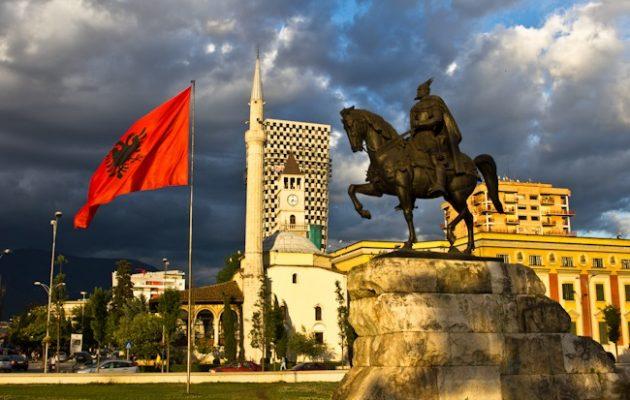 """Η Αλβανία είναι μια χώρα """"μαστούρα"""" από εθνικές αυταπάτες – Νομίζουν πώς είναι ίσα και όμοια με την Ελλάδα"""