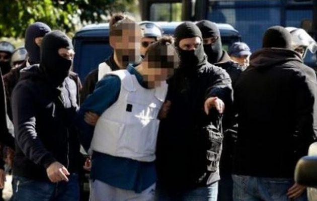 Στη δημοσιότητα τα στοιχεία του 29χρονου που συνελήφθη για τη βόμβα στον Παπαδήμο (φωτο)