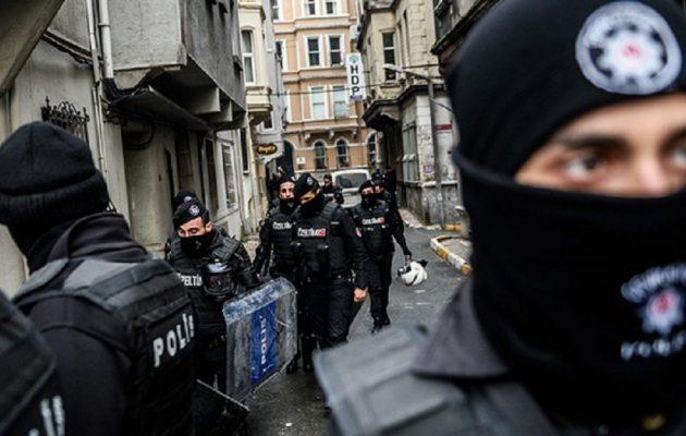 Νέες συλλήψεις 238 Τούρκων στρατιωτικών για σχέσεις με τον Γκιουλέν