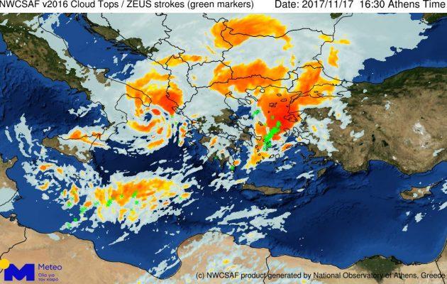 Έκτακτο δελτίο καιρού: Μέχρι τη Δευτέρα τα ακραία καιρικά φαινόμενα-Ποιες περιοχές θα «χτυπηθούν»
