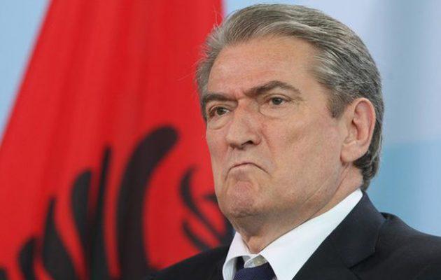 Ο Μπερίσα κατηγορεί Ράμα και Μπουσάτι ότι «υπέκυψαν άνευ όρων» στην Ελλάδα για την ΑΟΖ