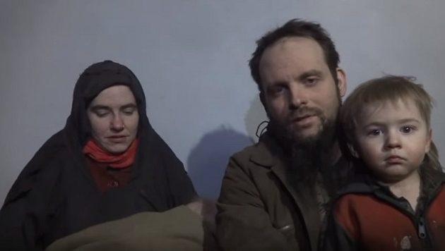 Αμερικανίδα πρώην αιχμάλωτη: Οι Ταλιμπάν  με βίασαν όταν πήγα να μιλήσω