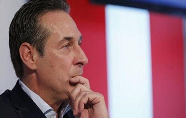 Αυστρία: Το ακροδεξιό εθνικιστικό Κόμμα διέγραψε τον πρώην αρχηγό του Στράχε