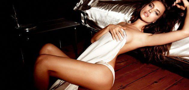Η Ιρίνα Σάικ με εσώρουχα «παίζει» με τον πηλό πιο προκλητική από ποτέ (βίντεο)