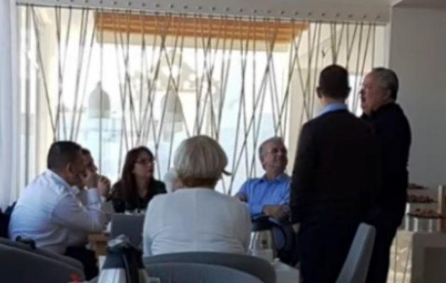 Στην Κρήτη ο Κοτζιάς έχει κλεισμένο τον Αλβανό ΥΠΕΞ σε ένα ξενοδοχείο