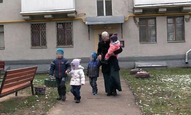 Τάταρος απήγαγε νεαρή γυναίκα και επί έξι χρόνια τη βίαζε, τη βασάνιζε και της έκανε τέσσερα παιδιά