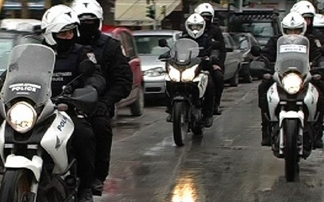 Συνελήφθησαν από την ομάδα ΔΙΑΣ την ώρα που «άνοιγαν» σπίτι στη Γλυφάδα