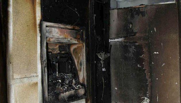 Ιδού πώς έγινε από έκρηξη το ΑΤΜ  έξω από «Βασιλόπουλο» – Πάλι άπραγοι οι κακοποιοί