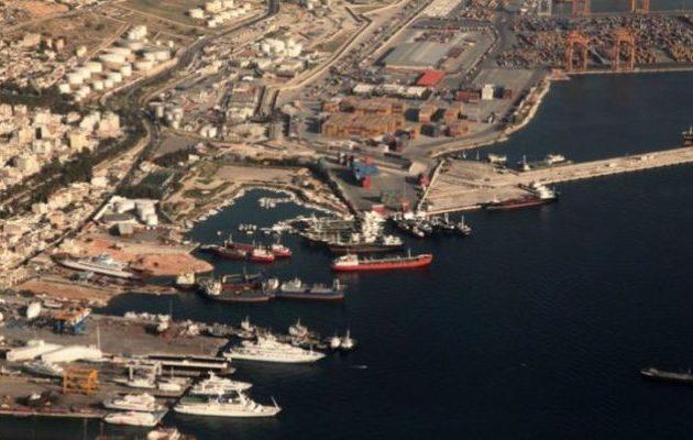 Εντολή να καθαρίσουν Πειραιάς και Ελευσίνα από τα πλοία-«βόμβες»