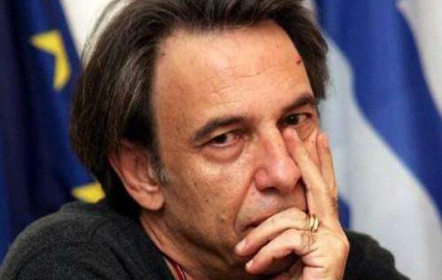 «Άκου ρουφιανάκο…»: Σκληρή απάντηση Τσακνή στον Πάσχο Μανδραβέλη