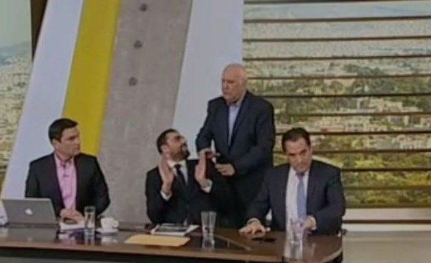 Κωνσταντινέας σε Γεωργιάδη: «Είσαι πολιτικός μπιφτεκάς!» – Άγριος καυγάς στον Παπαδάκη (βίντεο)