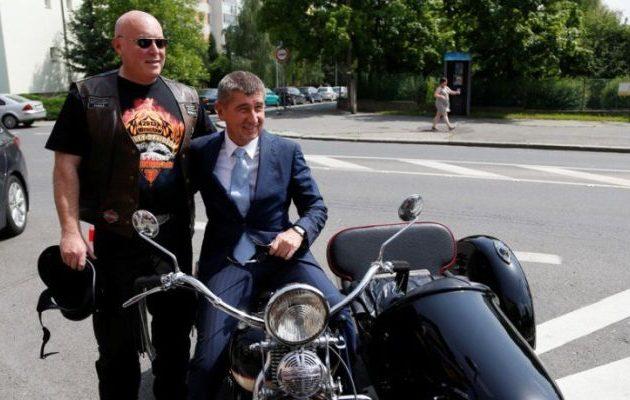 Μεγιστάνας Μπάμπις: Αναλαμβάνει επισήμως το «τιμόνι» της Τσεχίας