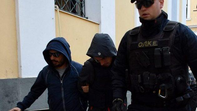 Η στιγμή της σύλληψης του 33χρονου Σέρβου που είχε γεμίσει την Αθήνα με κοκαΐνη (βίντεο)