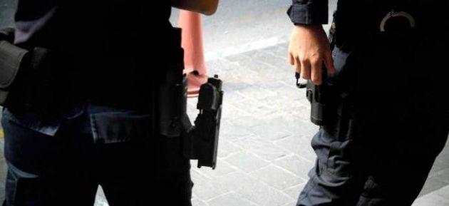 Δύο Έλληνες πλάκωσαν στο ξύλο δύο Πακιστανούς και τους λήστεψαν στη Σπάρτη