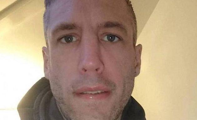 Κρεμάστηκε σε ζωντανή σύνδεση ενώ βρισκόταν σε chatroom
