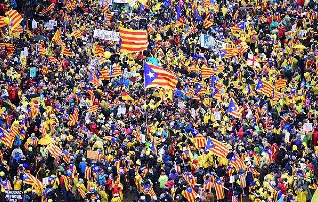 45.000 διαδηλωτές υπέρ της αυτονομίας της Καταλονίας στις Βρυξέλλες – «Ευρώπη ξύπνα»