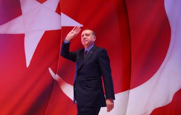Ο Ερντογάν πουλά όραμα «μεγαλομανίας» και μετατρέπει την Τουρκία σε σουλτανάτο