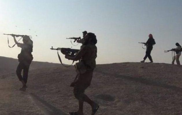 Το Ισλαμικό Κράτος διεξάγει ανταρτοπόλεμο στον συριακό στρατό στην έρημο