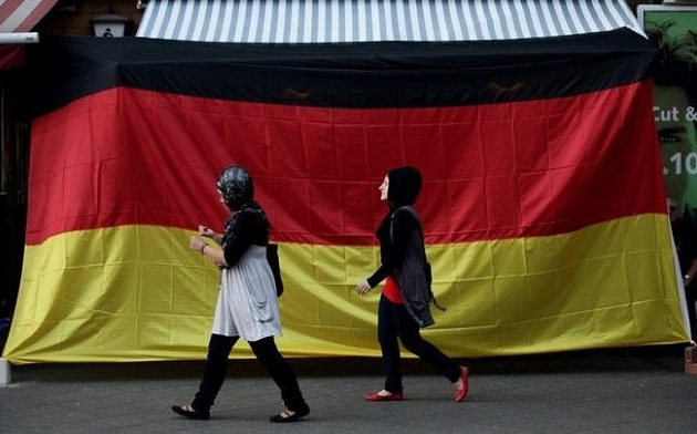 704 επιθέσεις κατά μεταναστών σημειώθηκαν το πρώτο εξάμηνο του 2018 στη Γερμανία