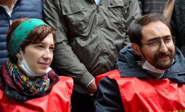 Αποφυλακίζεται η Τουρκάλα εκπαιδευτικός που κάνει απεργία πείνας για το πογκρόμ του Ερντογάν